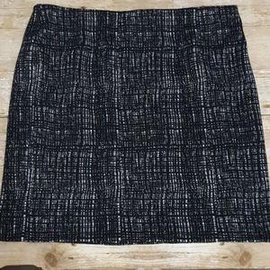 Worthington black and white skirt Large